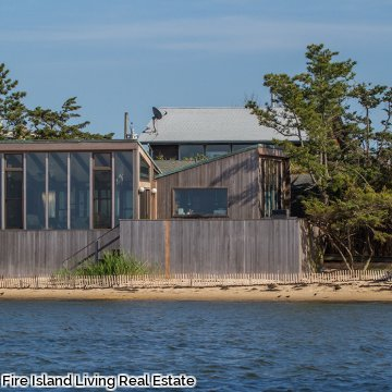 Bay Front Beauty in Fair Harbor Fire Island