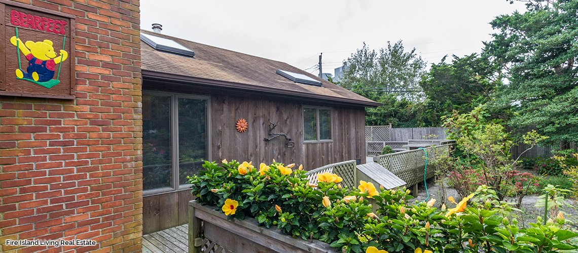 Summer Home in Fair Harbor on an ocean block