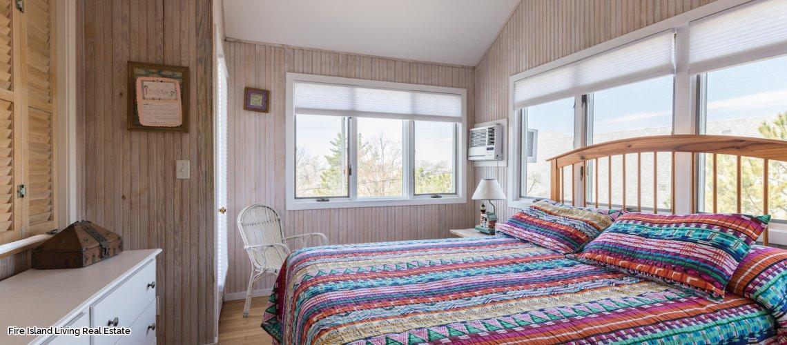 Master Bedroom Saltaire # 211