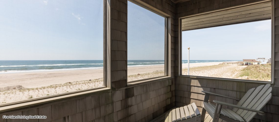 Screened in porch overlooking the ocean in Fire Island