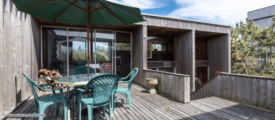 Deck on house # 40 in Saltaire