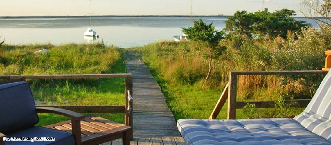 A Bay front deck in Lonelyville