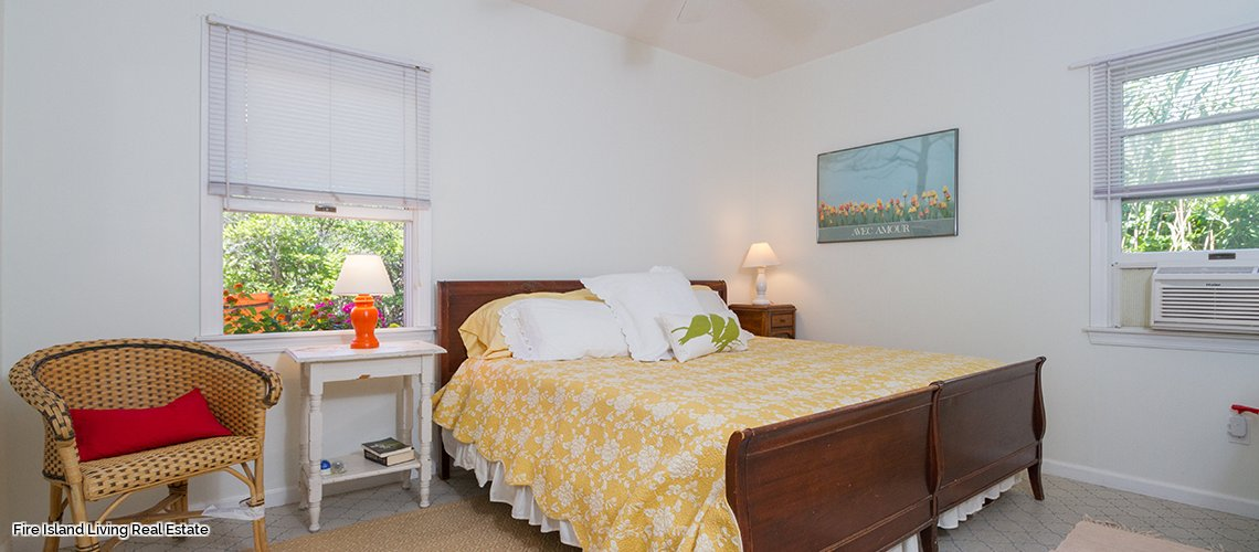 Fire Island summer rental with four bedrooms # 24