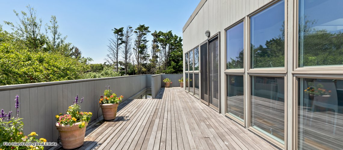 Decks Galore in Satlaire Beach house